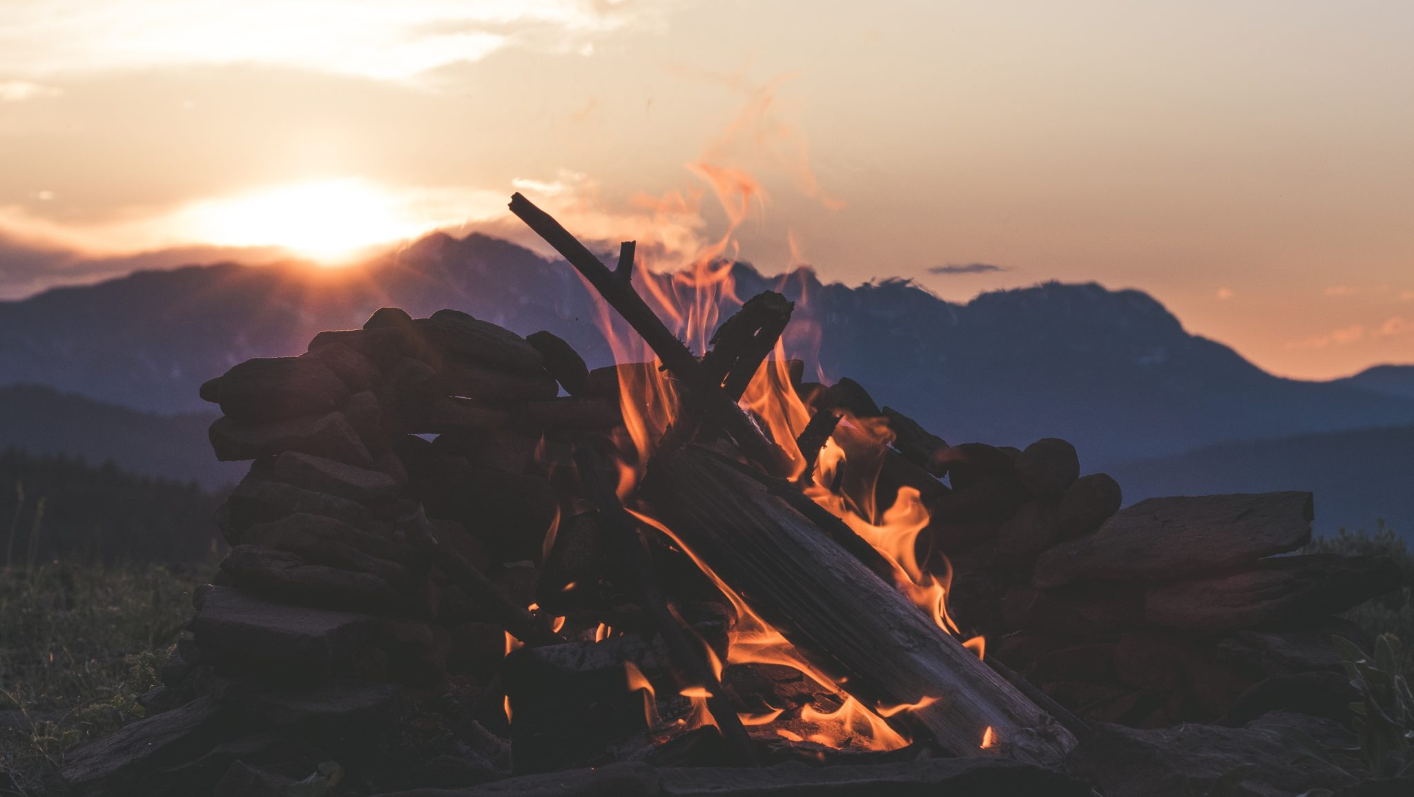 Campfire Stories: Tips From the Storytelling Masters
